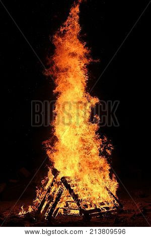 lag baomer bonfire, symbol of the jewish holiday