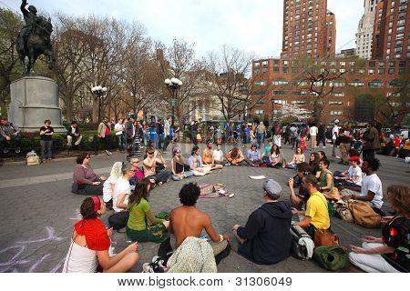 Meditando en Union Square Park