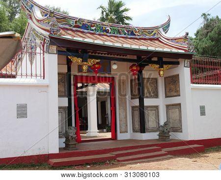 Malacca, Malaysia--febuary 2018:  Medium Wide Shot Of The Poh San Teng Temple In Malacca, Malaysia.