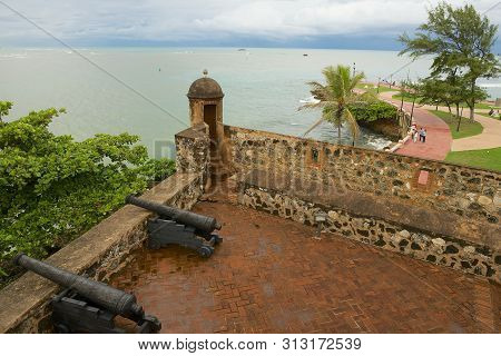 Puerto Plata, Dominican Republic - November 04, 2012: Old Cannons At San Felipe Fort Looking To The