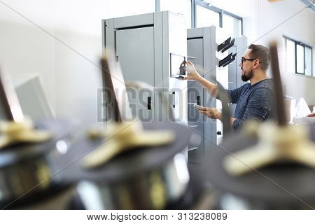 The Printer Supports The Control Panel, Supervises The Printing Process