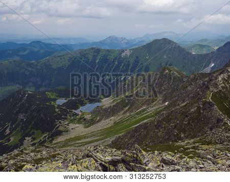 View From Banikov Peak On Western Tatra Mountains Or Rohace Panorama. Sharp Green Mountains - Ostry