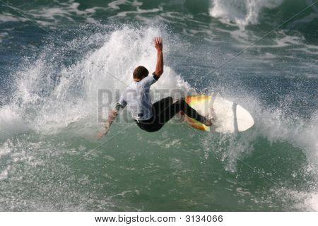 Slashing Surfer