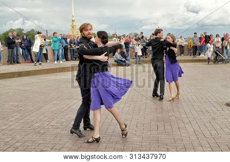 Saint-petersburg.russia.july 13.2019.dancing In The Town Square In The Fresh Air.anyone Who Wants To