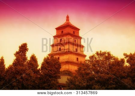 The Giant Wild Goose Pagoda Or Dayan Pagoda At Sunset Located In Da Cien Temple Complex In Xian Chin