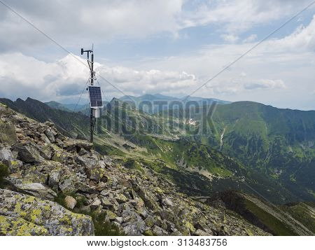 Top Of The Peak Banikov At Western Tatra Mountains Or Rohace. Sharp Green Mountains - Ostry Rohac, P