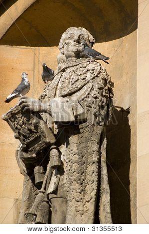 Lord Clarendon statue, Oxford University