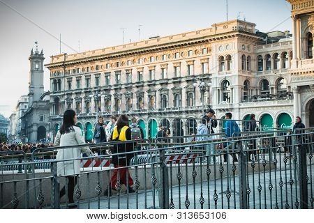Milan, Italy - November 3, 2017: Happy People Are Sitting On The Piazza Del Duomo On A Autumn Day