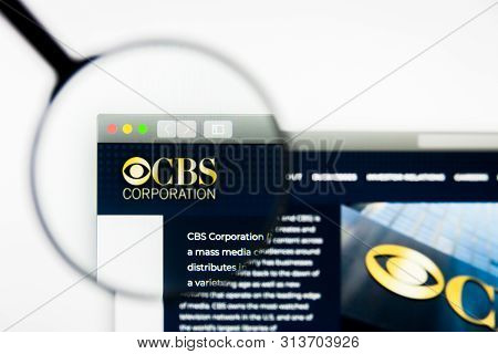 Richmond, Virginia, Usa - 26 July 2019: Illustrative Editorial Of Cbs Corporation Website Homepage.