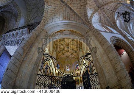 Santo Domingo, Dominican Republic-march 11, 2020: Interior Of The Cathedral Of Santa Maria La Menor