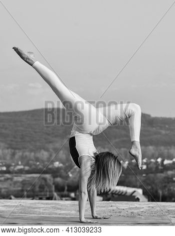 You Just Get Strong. Acrobatic Gymnastics. Gymnastics Athlete. It Never Gets Easier. Flexible Girl O