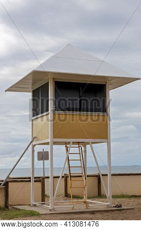 Lifesavers Safety Lookout Hut At The Beach