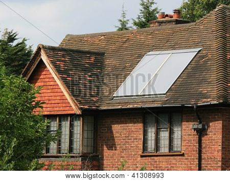 Solar hot water panel array