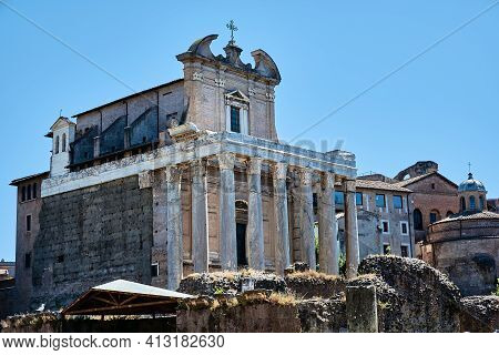 Roman Forum, Rome, Italy - May 17, 2017: View Of The Temple Of Antoninus And Faustina At The Roman F