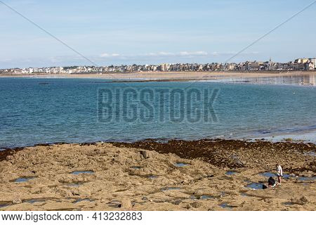 St Malo, France - September 15, 2018: Main Beach Of The Famous Resort Town Saint Malo In Brittany, F