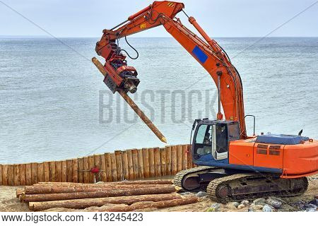 Construction Of Wooden Breakwaters From Larch Trunks