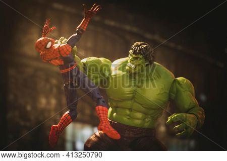 MARCH 8 2021: Marvel comics superheroes -  Spiderman battling the Hulk - Hasbro action figure