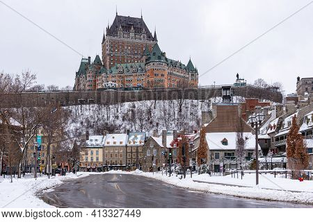 Quebec City, Quebec, Canada - 17 January 2021: Winter View Of The Frontenac Castle In The Old Quebe