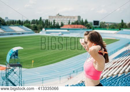 Fitness For Female Beginners, Woman Fitness, Physical Activity For Teenagers. Young Sporty Girl Havi