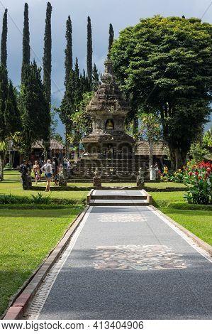 Bali, Indonesia - 16 September 2018: The Temple Complex Pura Ulun Danu Beratan, Or Pura Bratan, A Ma
