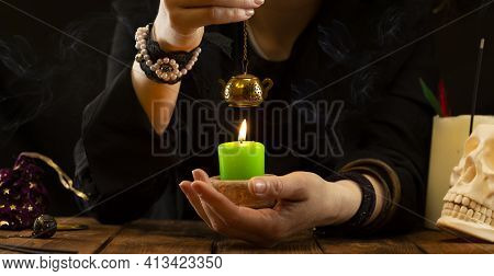 Fortune-teller Or Oracle With Objects For Fortune-telling During The Session. Psychic Readings And T