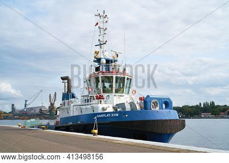 Swinoujscie, Poland - September 11, 2020: The Tug Fairplay 18 Of Fairplay Shipping Company In The Po