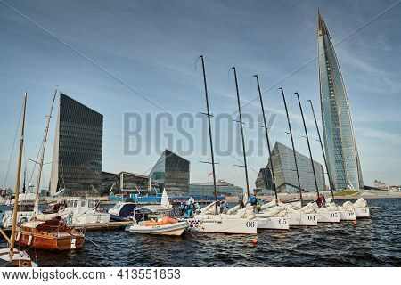 Russia, St.petersburg, 05 September 2020: Sailing Sports Boats Against The Highest Skyscraper In Eur