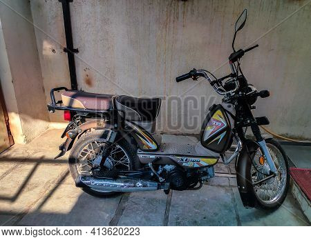 Gulbarga , Karnataka , India- February 15th 2021; Stock Photo Of A Black Color Brand New Two Wheeler