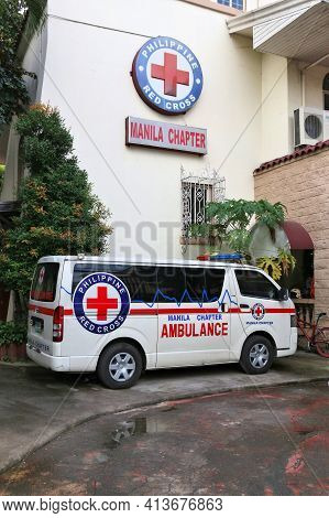 Manila, Philippines - November 24, 2017: Ambulance Van Of Philippine Red Cross (prc), A Member Of Th