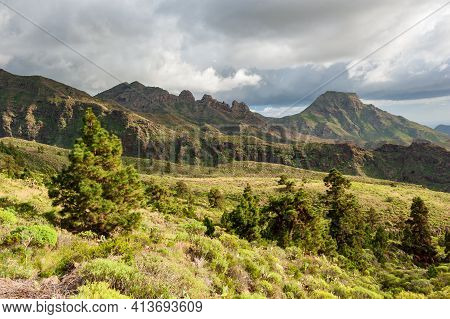 Nature And Landscape Of The Canary Islands - Mountains And Nature Of Gran Canaria. Green Mountains,