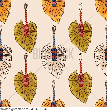 Seamless Pattern Macrame Wall Hanging-vector Doodle Illustration Isolate On White Background. Modern