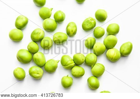 Fresh Green Peas And Grains, Nutritious Green Vegetables, Isolated On White Background