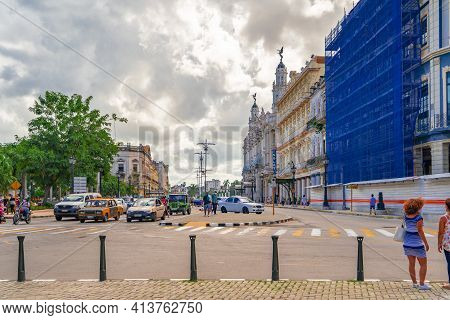 Havana Cuba. November 25, 2020: Horizontal Photo Of Paseo De Marti Avenue. Colonial Buildings On The