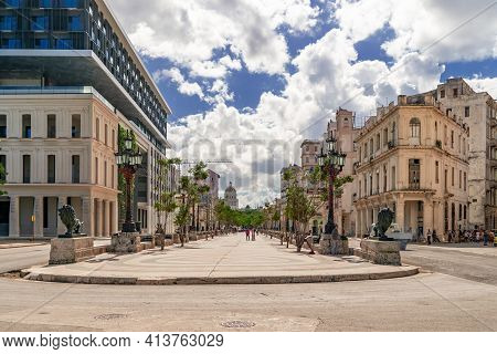 Havana Cuba. November 25, 2020: Paseo Del Prado In Havana With Trees And Benches On Its Sides, A Pla