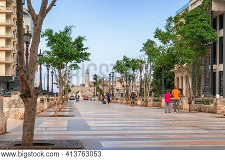 Havana Cuba. November 25, 2020: Paseo Del Prado In Havana With Trees And Benches On Its Sides, In Th