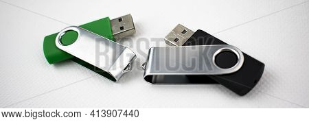 Memory Units Made Of Metal And Satin Plastic, With Usb Connection, For Data Storage