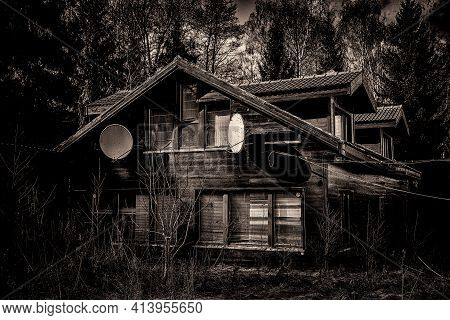 Old House. Exterior Of Deserted Building. Nobody Around. Scaring Scene