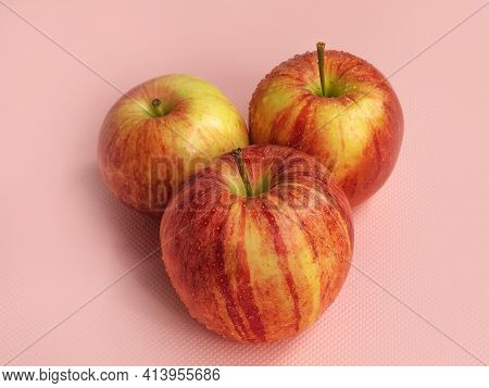 The Photo Shows A Picture Of Fresh Food. These Are Ripe Apples From The Gala Apple Tree. Apples In T