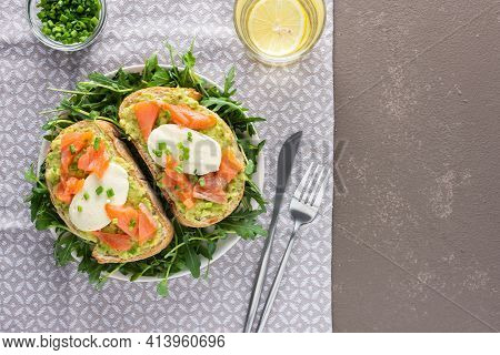 Toasts With Salmon And Hollandaise Sauce
