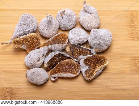 Dried Figs Sprinkled With Rice Flour. A Healthy And Nutritious Snack And An Excellent Culinary Addit
