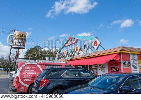 New Orleans, La - February 26: Colorful Exterior Of Ted's Frostop Restaurant In New Orleans With Blu