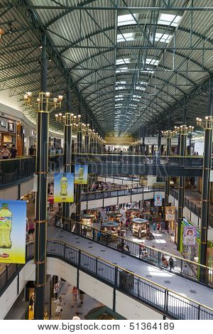 A Long Shopping Corridor In The Mall Of America In Bloomington, Mn On July 06, 2013