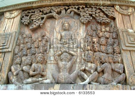 Buddha With Disciples