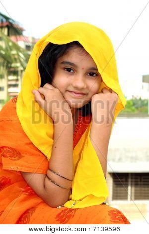 hell indische Mädchen