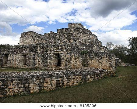 Temple in the mayan ruin city of Ek Balam poster