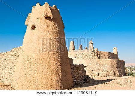Domat Al-Jadal, Al Jauf province, the Qasr Marid fortress (Nabatean origin) and the Mosque of Oman