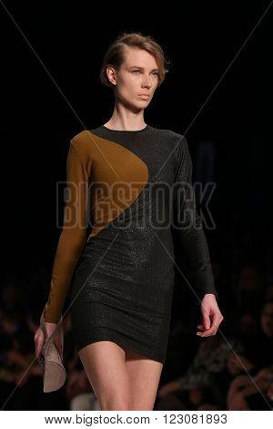 Tuba Ergin Catwalk In Mercedes-benz Fashion Week Istanbul