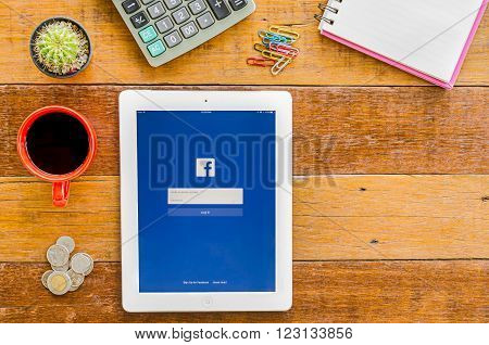 CHIANGMAI, THAILAND -JANUARY 10, 2016: IPad 4 open Facebook application.Facebook is most popular social networking site in the world.