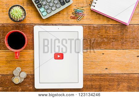 CHIANGMAI, THAILAND -JANUARY 10, 2016: IPad 4 open Youtube application. YouTube is the popular online video sharing website.