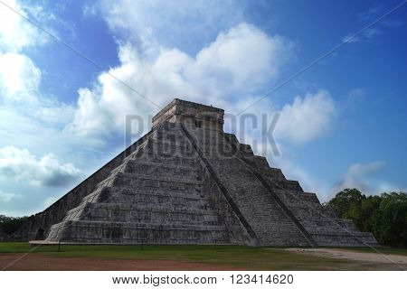 Ancient mayan pyramid, Temple of Kukulcan, situated in  Chichen Itza, Yucatan, Mexico